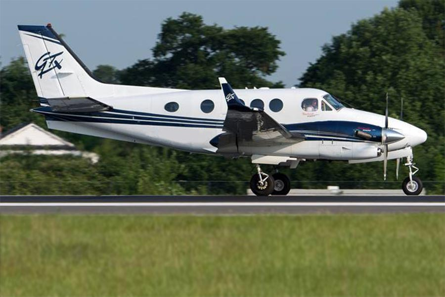 Picture of 2010 king air c90gt feat king air c90gtx.