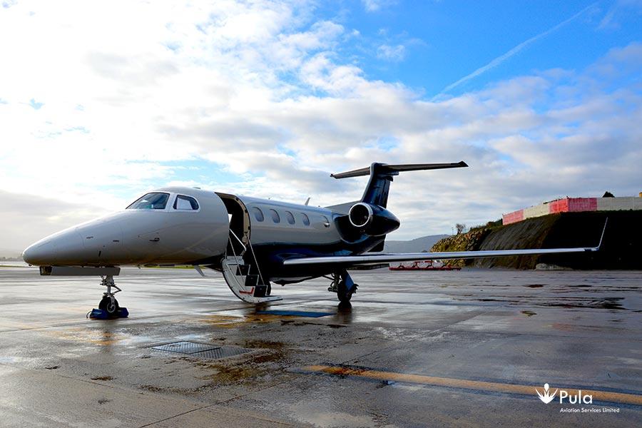 Picture of 2015 embraer phenom 300 00 embraer phenom 300.